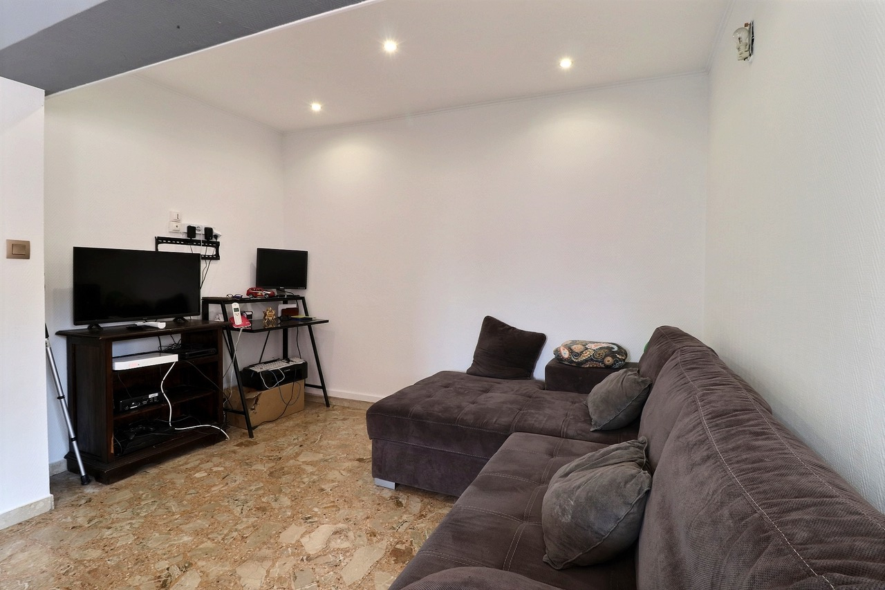 APPARTEMENT T4 / TRAVERSANT / IMMEUBLE DE STANDING / 13006 MARSEILLE